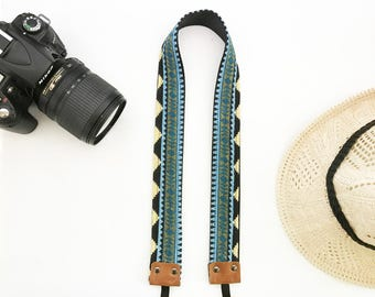 "NuovoDesign ""collar"" geometric camera strap for DSLR and mirrorless"