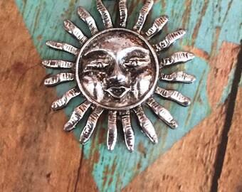 Antique Silver Sun Pendant QTY 5 (S-100)