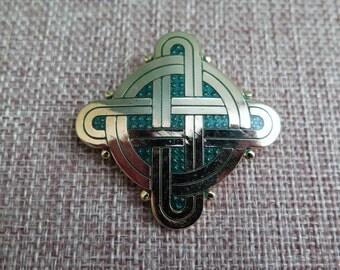 Sea Gems Celtic Knot Work Brooch - Knotwork Brooch - Cloisonne Enamel Brooch - Green and Gold Tone - Scottish Brooch - Scottish Jewellery