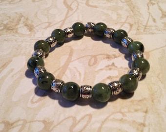 Jade green beaded stretchy bracelet