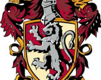 Gryffindor crest edible cake topper approx 8x11cm can be made smaller to your requirements