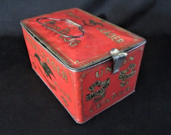 1930s Union Leader Cut Plug Tobacco Tin Hinged with End Catch Handle Vintage