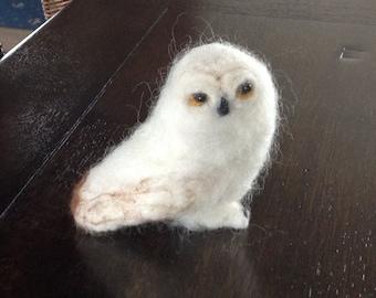 Snowy owl in shetland wool