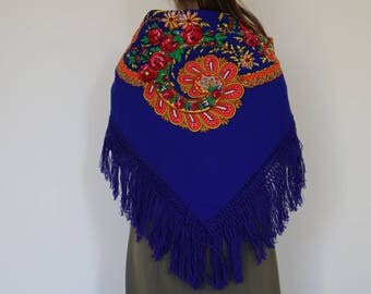 Viana's tradicional scarf, blue, traditional pattern, fringed scarf, made in Portugal.