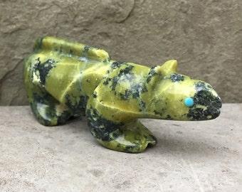 Zuni Fetish-Native American Art-TRADITIONAL MOUNTAIN LION-Stone Totem Animal-Zuni Carving-Green Serpentine