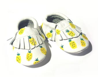 Pineapple painted baby moccasins, pineapple printed leather toddler shoes, pineapple moccsasins, pineapple clothing, painted baby shoes