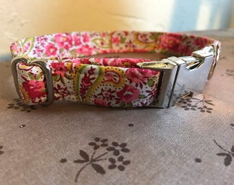 Small Pink Paisley adjustable Collar