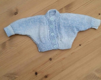 Hand knitted batwing cardi 0-3months