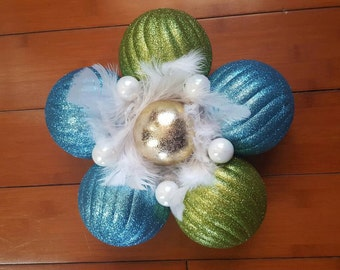 Sparkling green and blue ornament flower