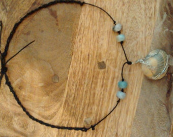 Shell necklace with hemp and amazonite