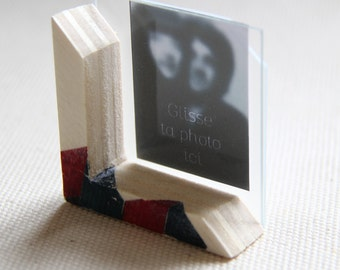 miniature frame for photo ID