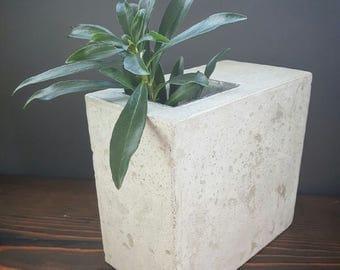 Cedar&Stone Rock of Ages Concrete Vase