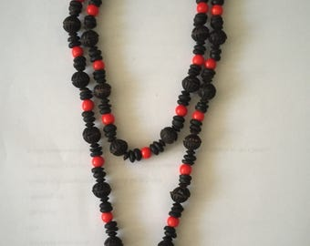 Black and red beaded necklace set