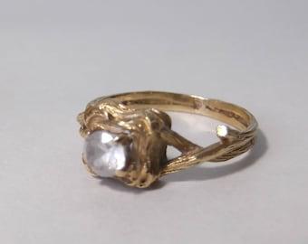 14k leaf-shaped design ring