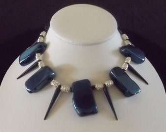 Modern Beaded Necklace with Edge
