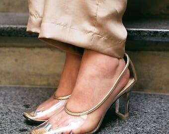 Vintage Clear Cinderella Pumps With Lucite Heel - Size 7