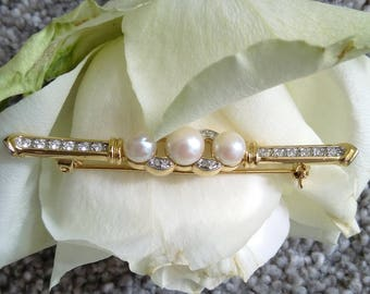 Stunning Vintage Gold Tone Faux Pearl & Diamante Bar Brooch - Boxed