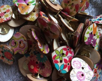 15 Wooden Heart Pattern Push Pins