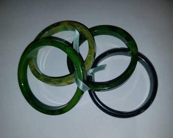 Set of 4 Assorted Green Bangles