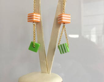 47 brass pendulum resin earring