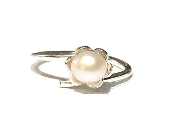 Daisy Freshwater Pearl Adjustable Ring