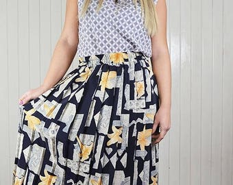 Pleated skirt, Vintage skirt, printed, midi