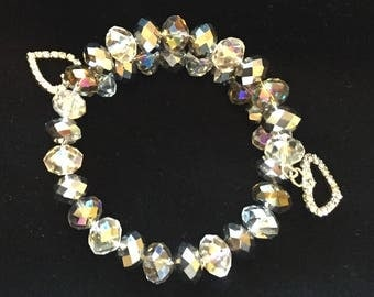 Crystal wire bracelet with heart charms