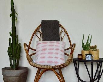 Cushion Shibori Tie Dye pink powder