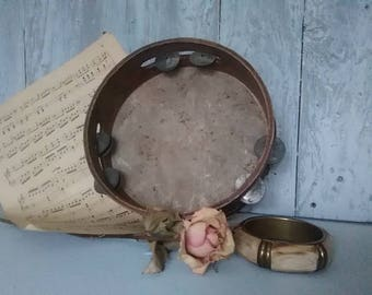 Tambourine Vintage Musical Instrument, Old Tambourine, Instrument Collection, Music, Décor  .
