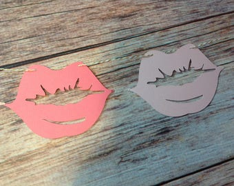 Lips garland 9 ft