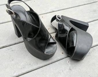Vintage 90's Black Chunky Platform Heels || 90's Platform Strappy Grunge Sandals