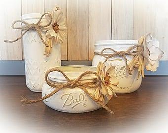Vintage distressed white bathroom mason jar set