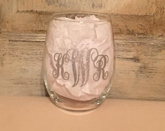 Monogram Wine Glass/Wine Glass/Bridesmaid Gift/Custom Wine Glass/Personalized Glass/Personalized Wine/Monogram Gifts/Monogram Glass