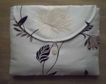 Fine lingerie bag ~ Silk ~ Embroidered