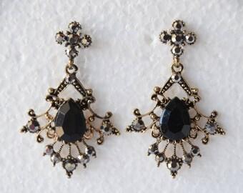 Vintage Earrings Black Gemstone Earrings