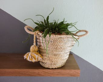 Small craft basket in doum