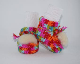 Girls Baby booties for 0-3 months old, baby shoes, crochet baby booties, sheepskin booties, baby gift, baby shower