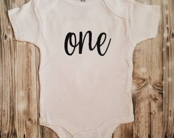 One - Baby First Birthday Bodysuit - First Birthday Shirt - First Birthday - I am one! Bodysuit - 1st Birthday - Unisex Baby Clothing
