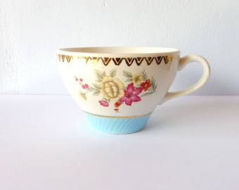 Cup vintage, English dishes, flowers, decoration mug Cup