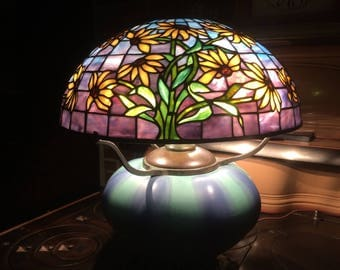 Tiffany lamp Tiffany Studios Reproduction stained glass lampshade black eyed susan