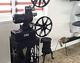 Important old (1950) 16 Pro Debrie 16 mm projector