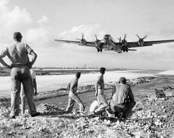 B-29 bomber 1944 Sapien Superfortress takeoff WW2 8x10 photo