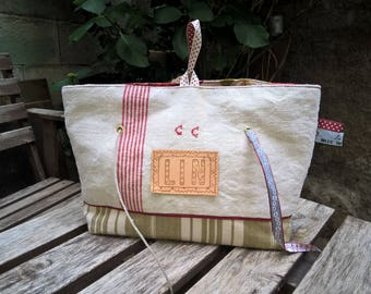 Pouch vintage Monogram 'CC', distributor of strings, lin
