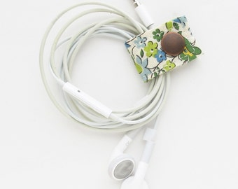Cord Keeper   Floral Fabric Cord Earbud Headphone Organizer Holder