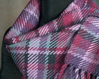 Plaid scarf / Handwoven merino wool scarf / winter scarf
