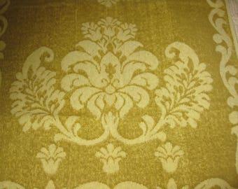 Vintage Bath Towel, Cotton Terry Cloth, Piquot 1970s Seventies Retro Bath Linens Fabric, Green Yellow, Fringe