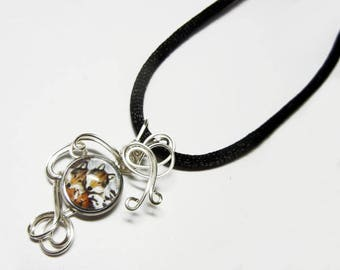 Wire Wrap Wolf Family Glass Cameo Pendant with Necklace