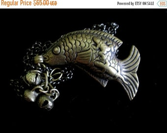 ON SALE The Life Aquatic - Vintage Long Fish Frog and Chameleon Necklace