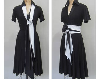 Black Dress - A line dress with Sleeves and Wrap Belt Sash in Two Colors Bi-toning #artisan #craft #sewing #whomademyclothes venmo