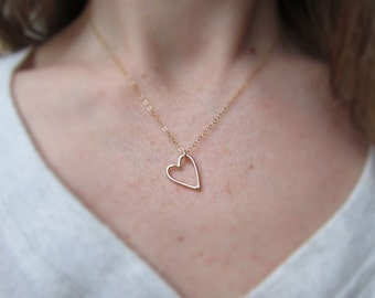 Gold heart necklace, heart pendant necklace, romantic jewelry, lovers, valentines jewelry, love necklace, friendship jewelry, minimalist